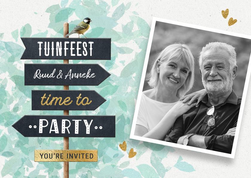 Uitnodigingen - Vrolijke uitnodiging tuinfeest bbq met wegwijzer