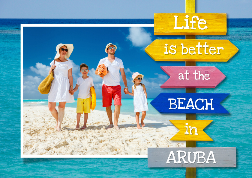 Vakantiekaarten - Vakantiekaart met zee en houten wegwijzer