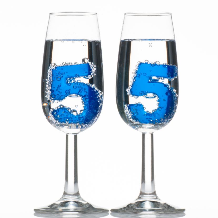 Verjaardagskaarten - 55 in champagne glazen met bubbels