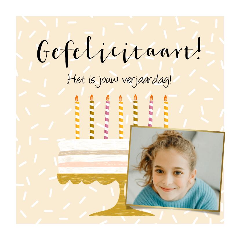 Verjaardagskaarten - Feestelijke kaart met taart, kaarsjes in vrolijke kleuren