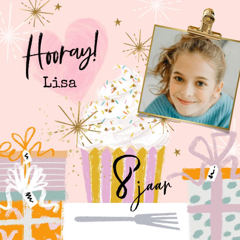 Verjaardagskaarten - Verjaardagskaart cupcake, cadeaus sterren goudlook foto