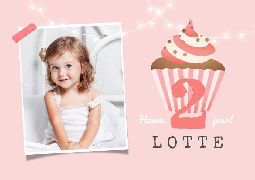 Verjaardagskaarten - verjaardagskaart felicitatie meisje cupcake foto slinger