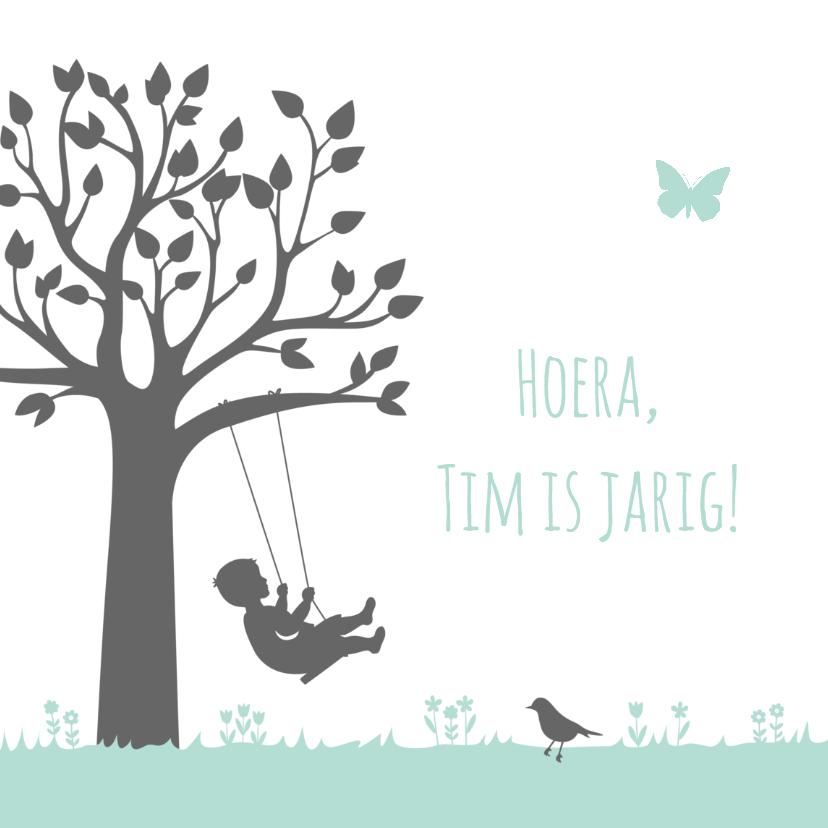 Verjaardagskaarten - Verjaardagskaart jongen op schommel bij boom