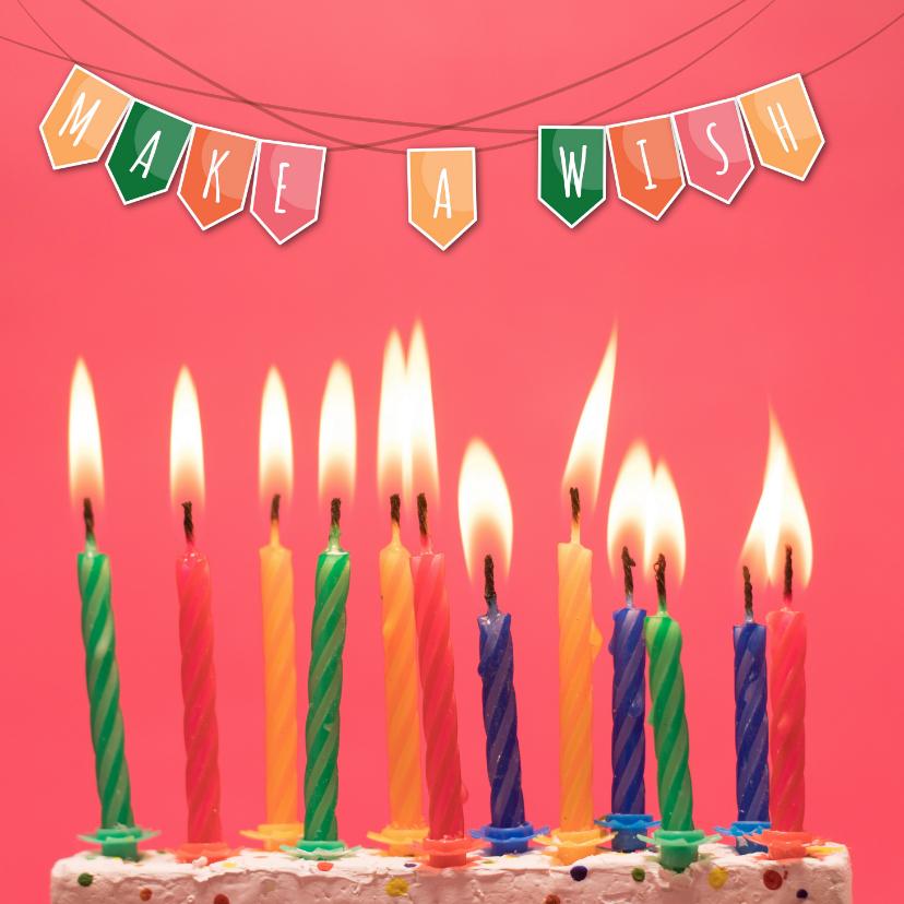 Verjaardagskaarten - Verjaardagskaart met kleurrijke slinger en cake met kaarsen
