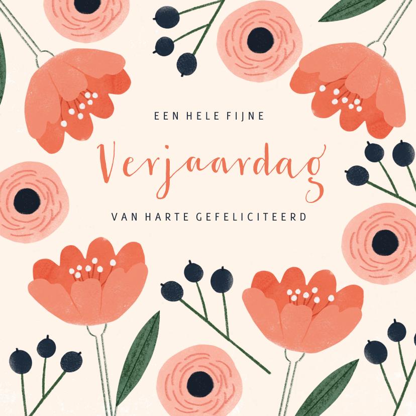 Verjaardagskaarten - Verjaardagskaart vrouw roze bloemen en blauwe bessen