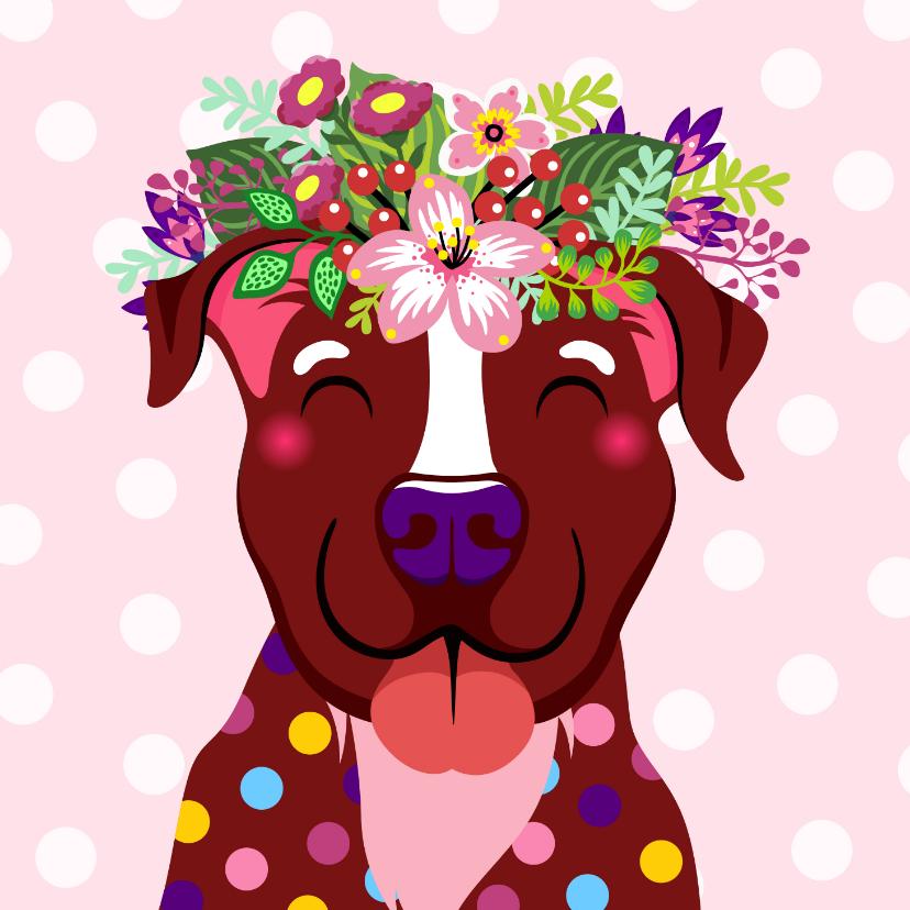 Verjaardagskaarten - Vrolijke hond met bloementooi verjaardagskaart