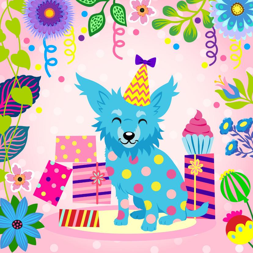 Verjaardagskaarten - Vrolijke verjaardagskaart met chihuahua, cadeaus en slingers