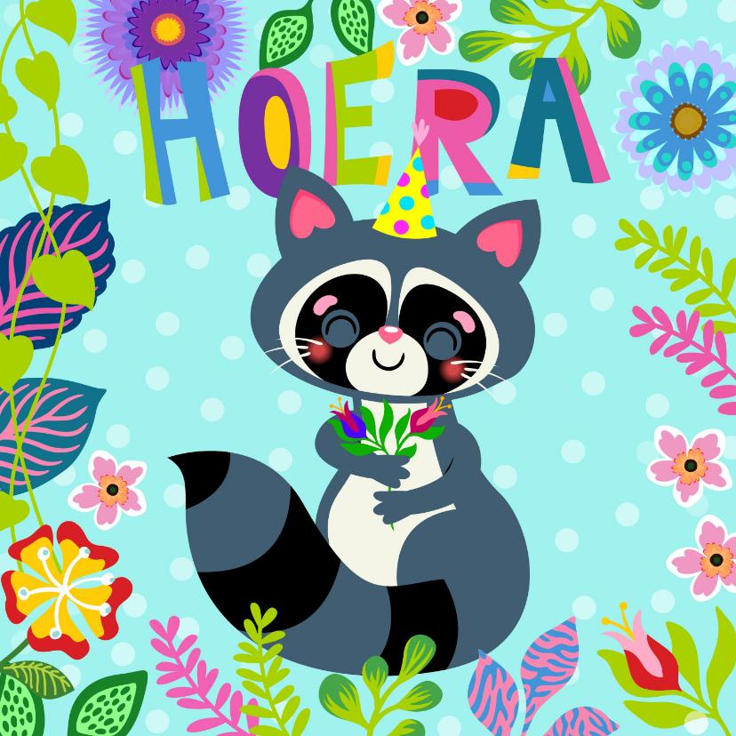 Verjaardagskaarten - Vrolijke verjaardagskaart met wasbeer en bloemen