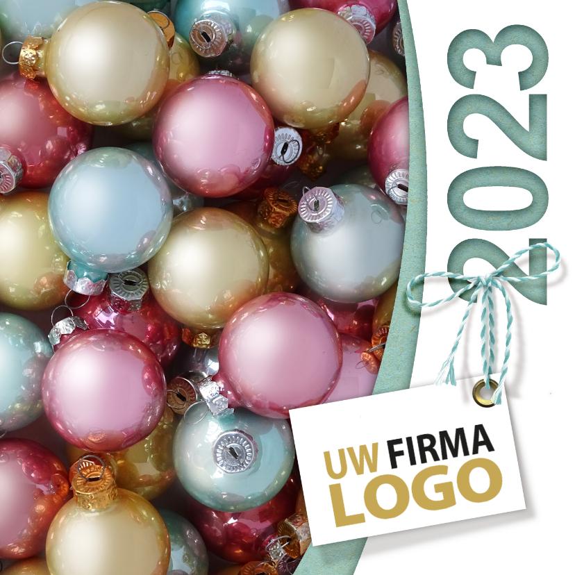 Zakelijke kerstkaarten - Kerstballen pastel label logo boog
