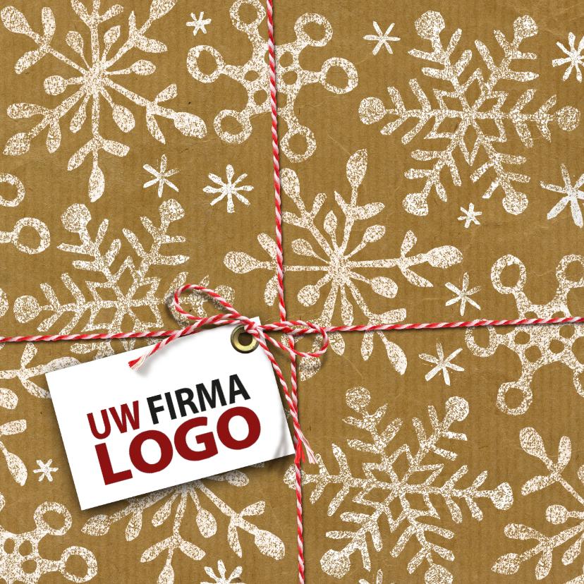 Zakelijke kerstkaarten - YVON pakje sneeuw rood