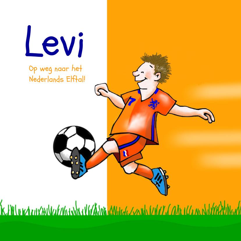 Zomaar kaarten - Zomaar - voetballende jongen in oranje tenue